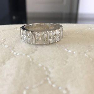 Jewelry - Faux Diamond band